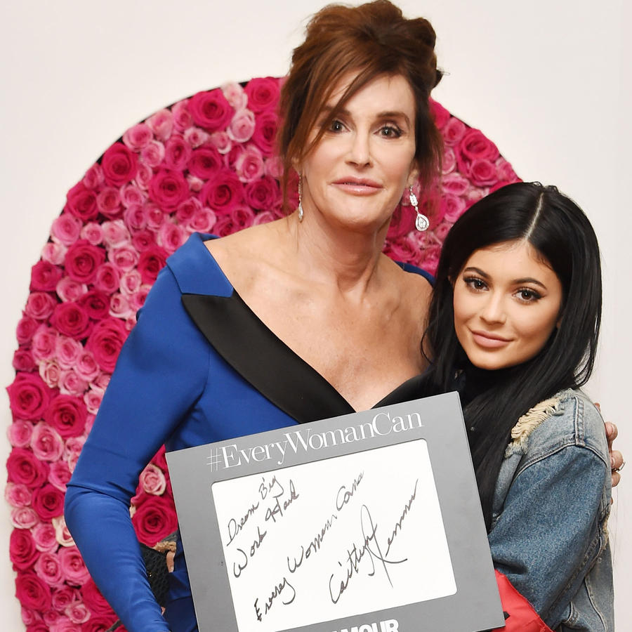 "Caitlyn Jenner y Kylie Jenner en ""Women of the Year"" Glamour 2015"