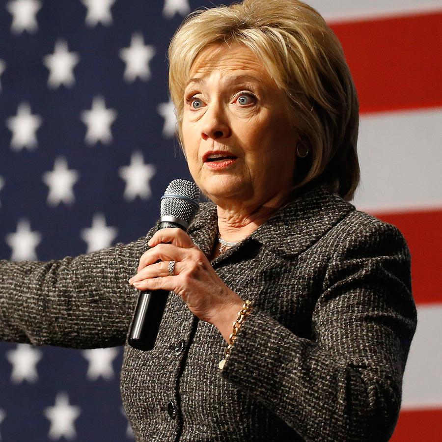 Hillary Clinton hablando durante un acto proselitista en la Universidad Estatal de Iowa el 12 de enero del 2016.