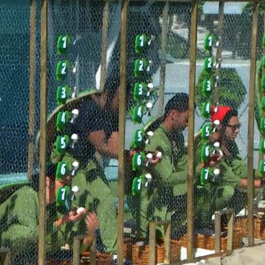 Los habitantes en la cuarta prueba del líder
