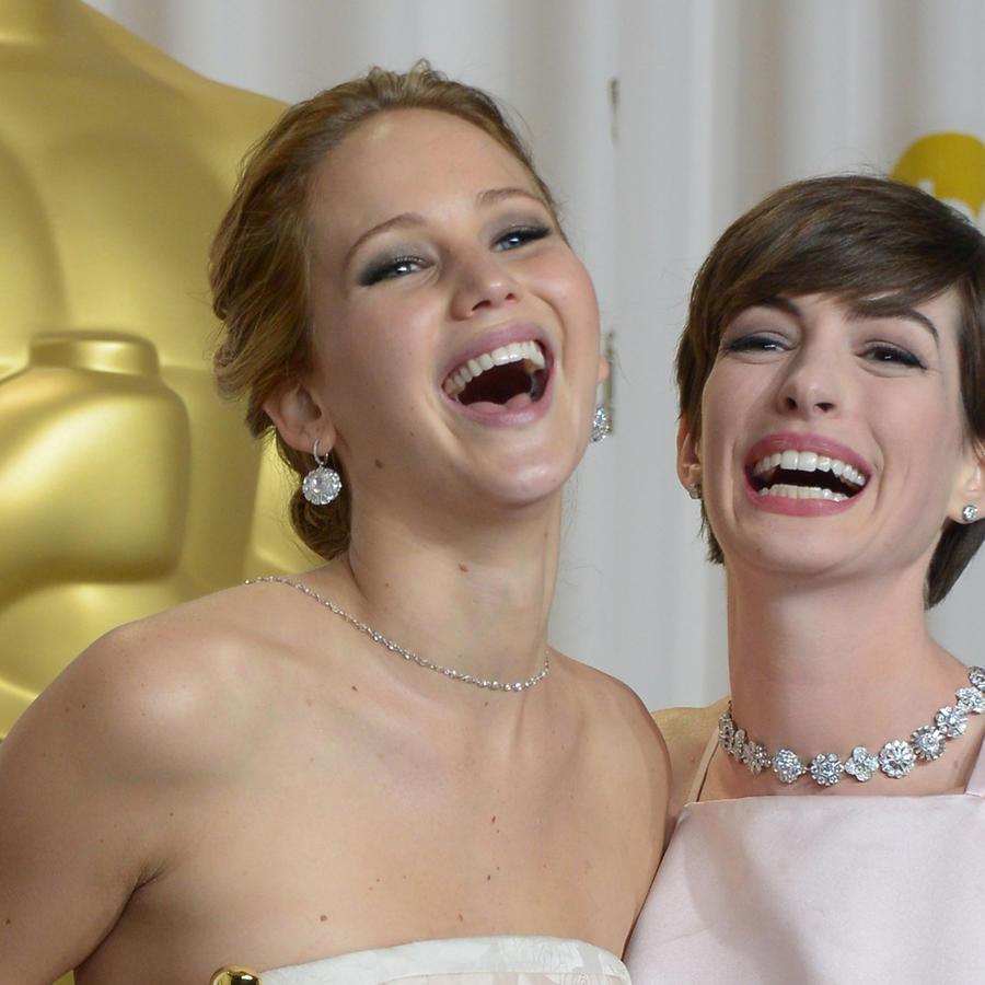 Jennifer Lawrence y Anne Hathaway