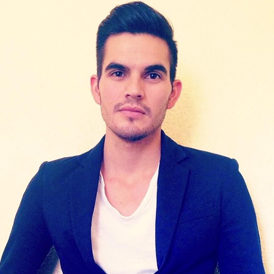 Adán Aguilar