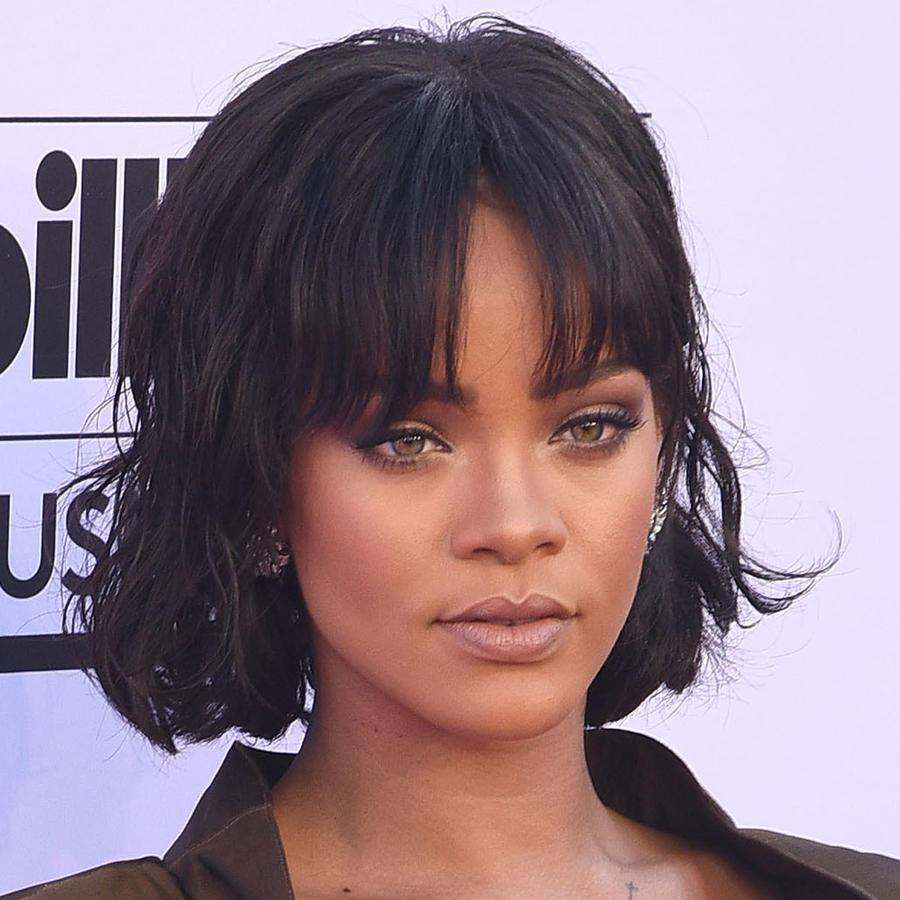 Rihanna en la alfombra de Billboard Music Awards 2016