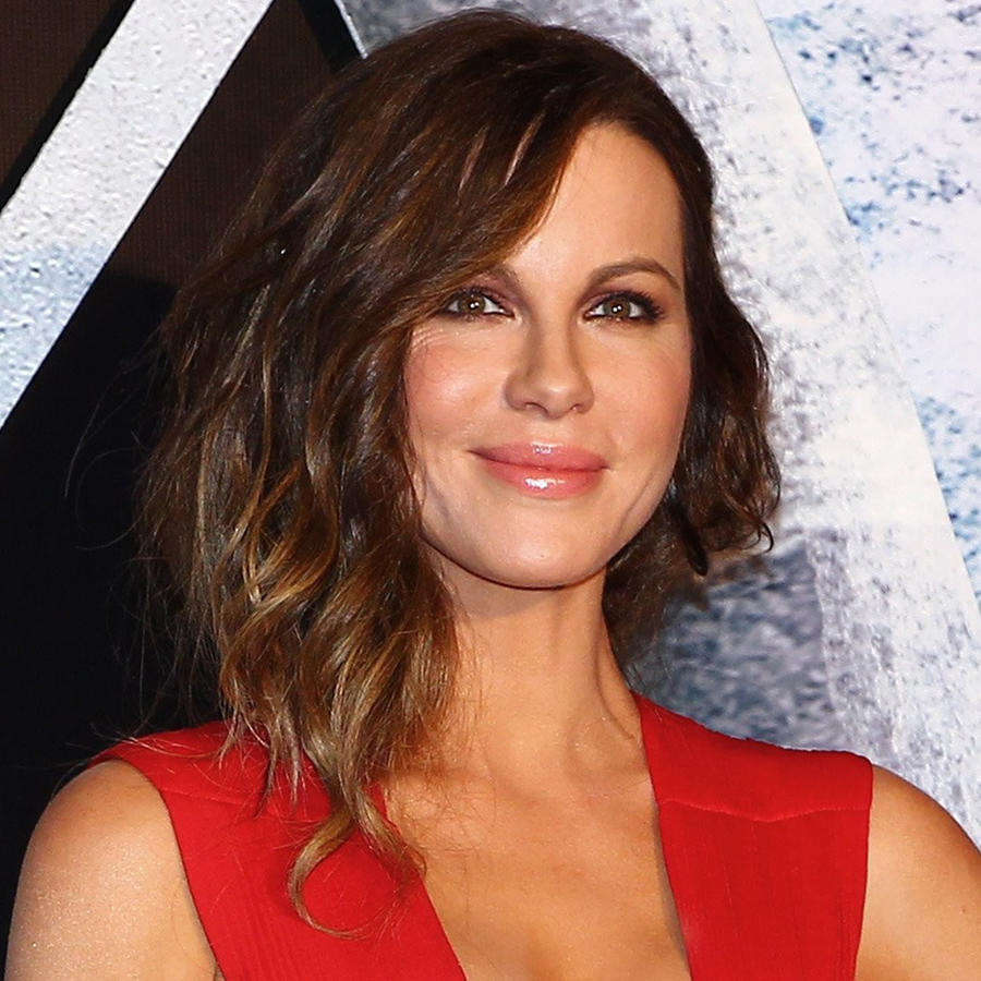 "Kate Beckinsale radiante durante la premiere de ""Underworld: Blood Wars"" en México"