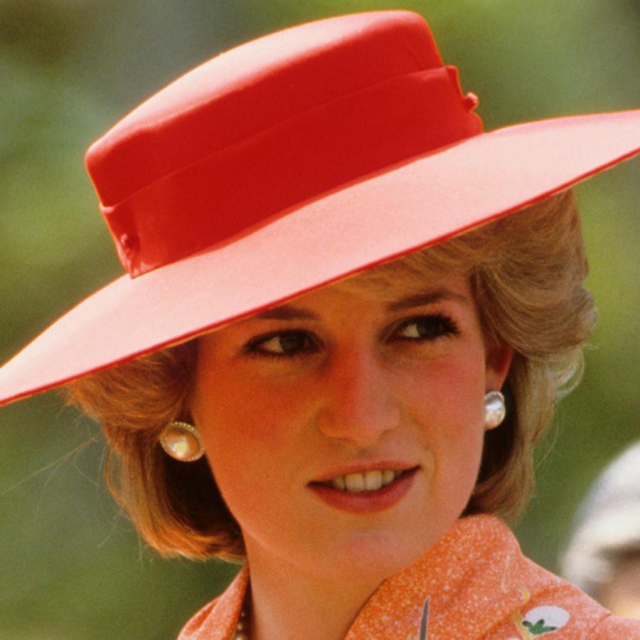 Subastan vestido de la princesa Diana