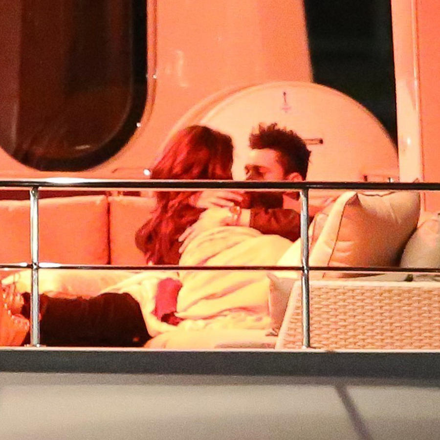 PREMIUM EXCLUSIVE Selena Gomez And The Weeknd Show Mad PDA On Luxury Yacht Ahead Of Valentine's Day