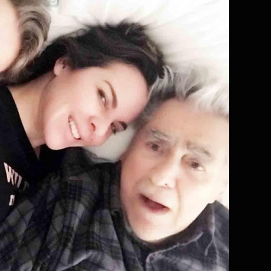 Kate del Castillo y sus padres