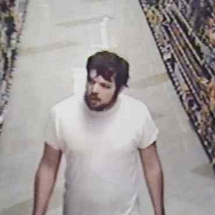 Hombre buscado por lanzar explosivo en restaurante en Pasadena