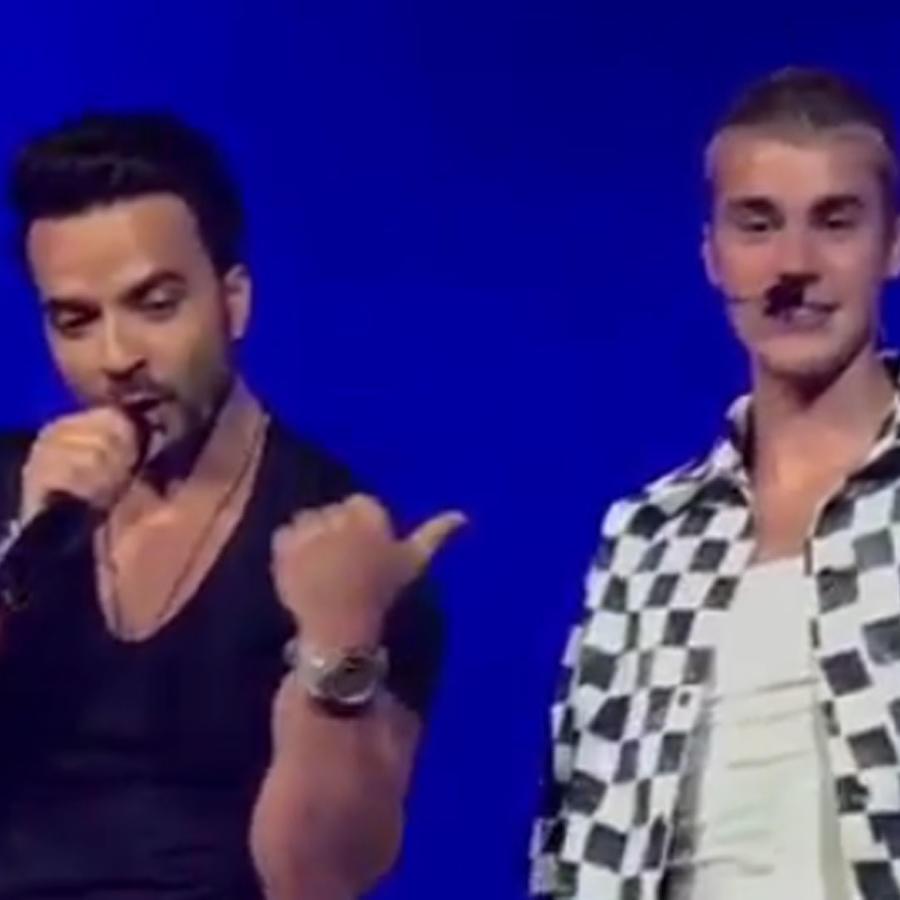 Luis Fonsi y Justin Bieber en un concierto en Puerto Rico