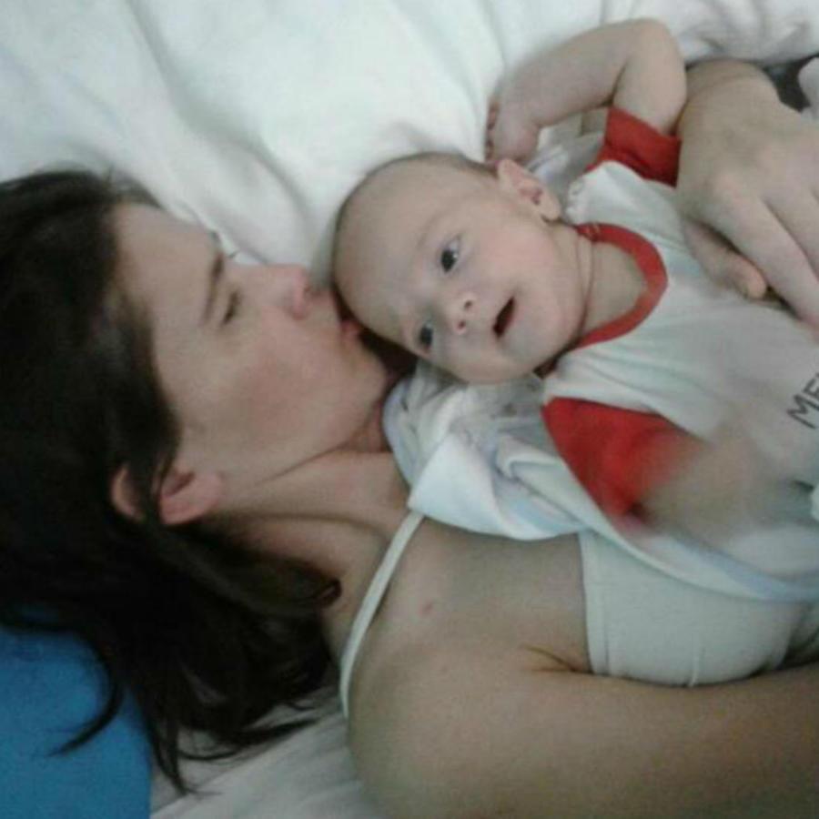 Amelia Bannan con su bebé