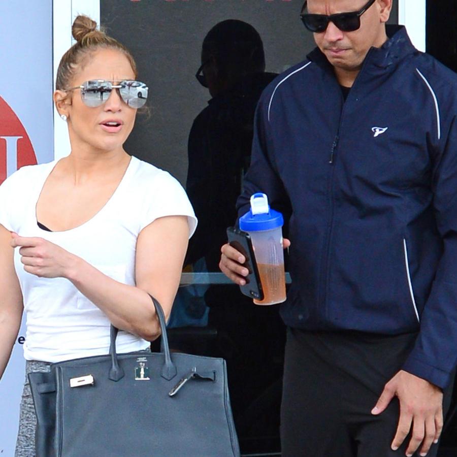 Jennifer Lopez y su bolso de miles de dólares