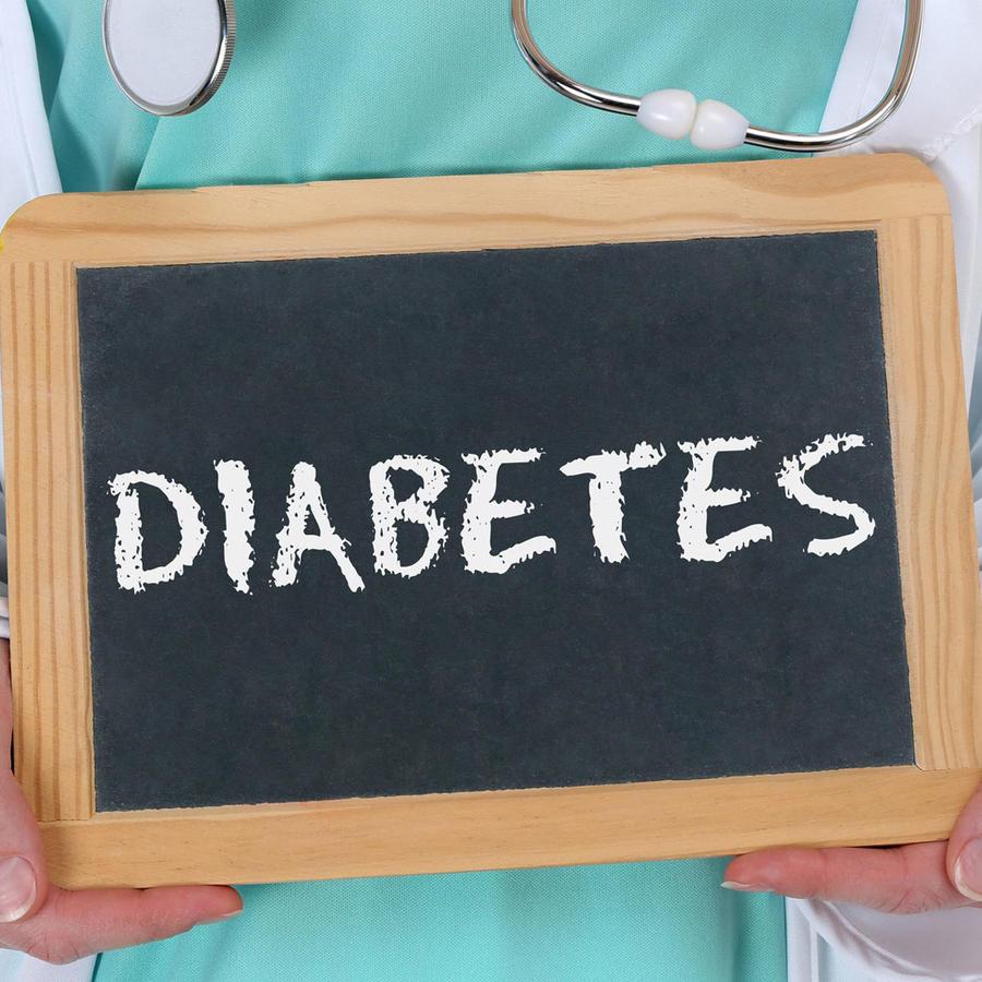 Pizarrón con la palabra diabetes