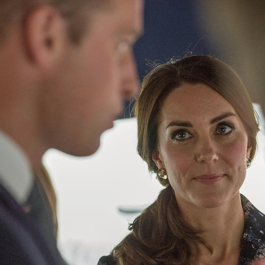 El príncipe William y la duquesa Kate en el National Football Museum, en Manchester, Inglaterra el 14 de octubre del 2016