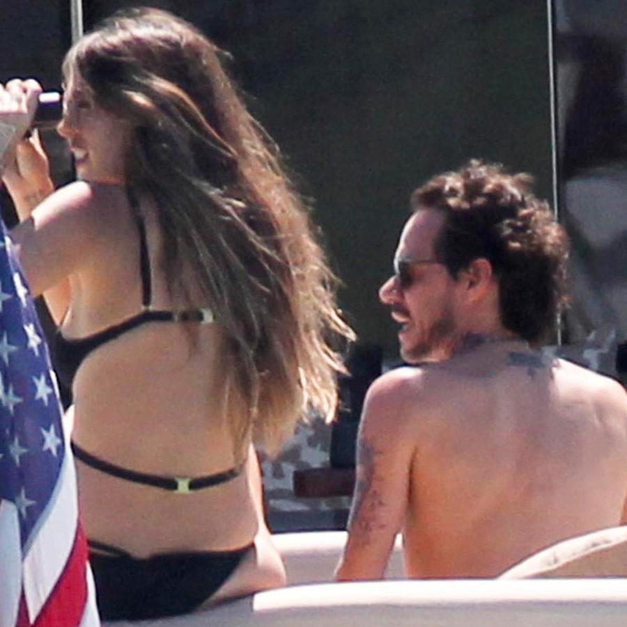 Shannon de Lima y Marc Anthony a bordo de un yate