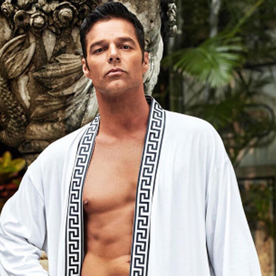 Ricky Martin personificando a Antonio D'Amico