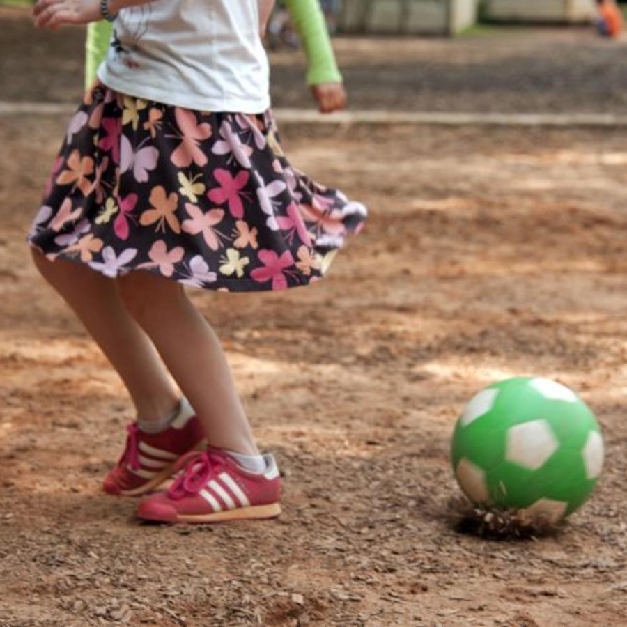 niño con falda