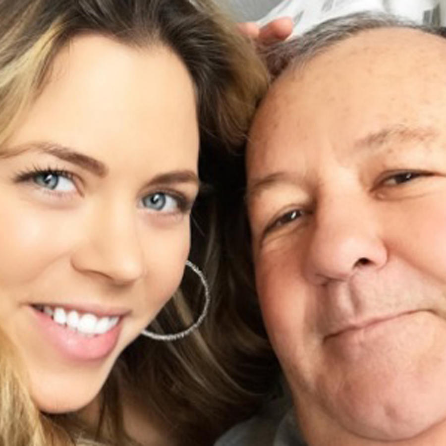 Ximena Duque y su papá Germán Duque sonriendo