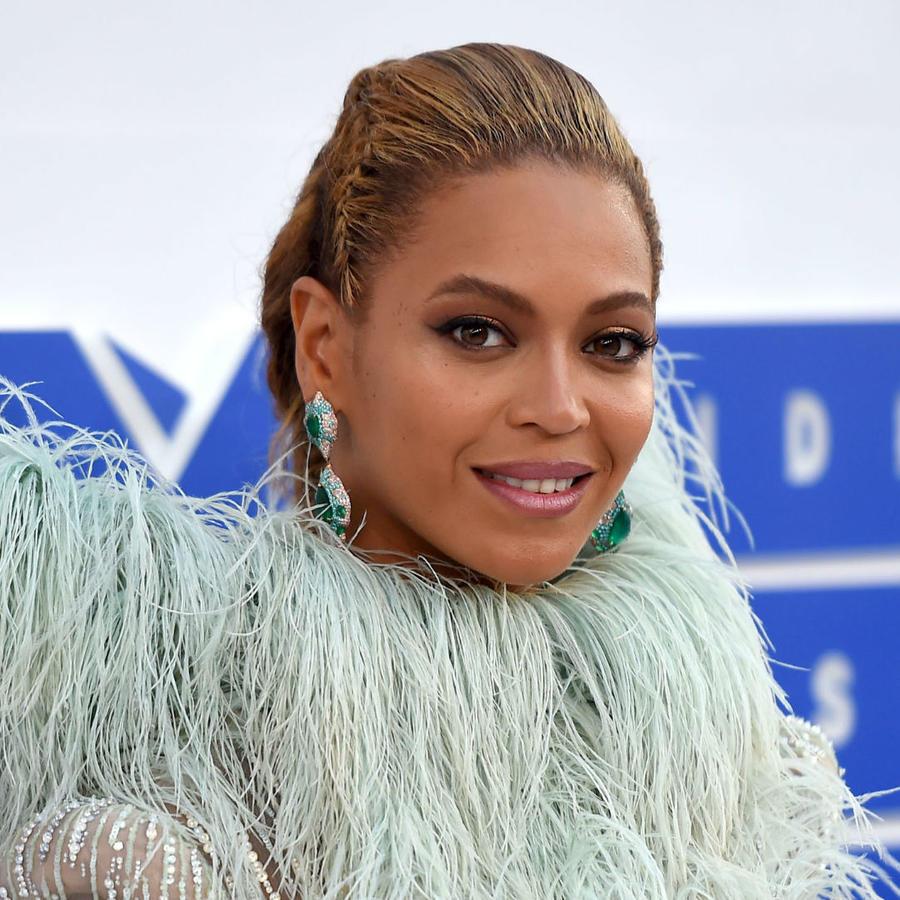 Beyoncé en los MVT Music Awards