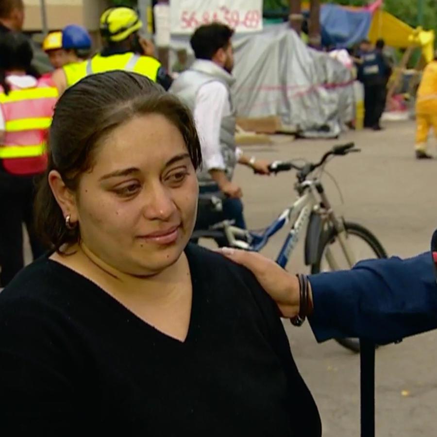 Mónica Ortega, la mamá de una de las niñas que falleció en el derrumbe de la escuela Enrique Rébsamen tras el terremoto en México