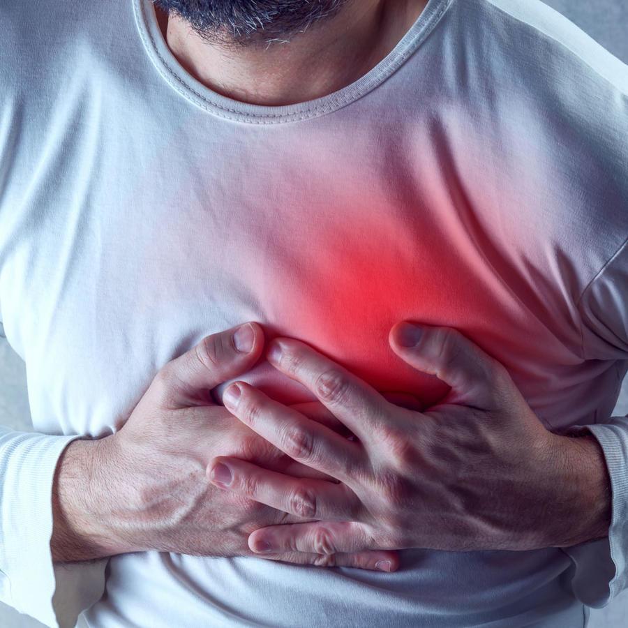 Hombre con paro cardíaco
