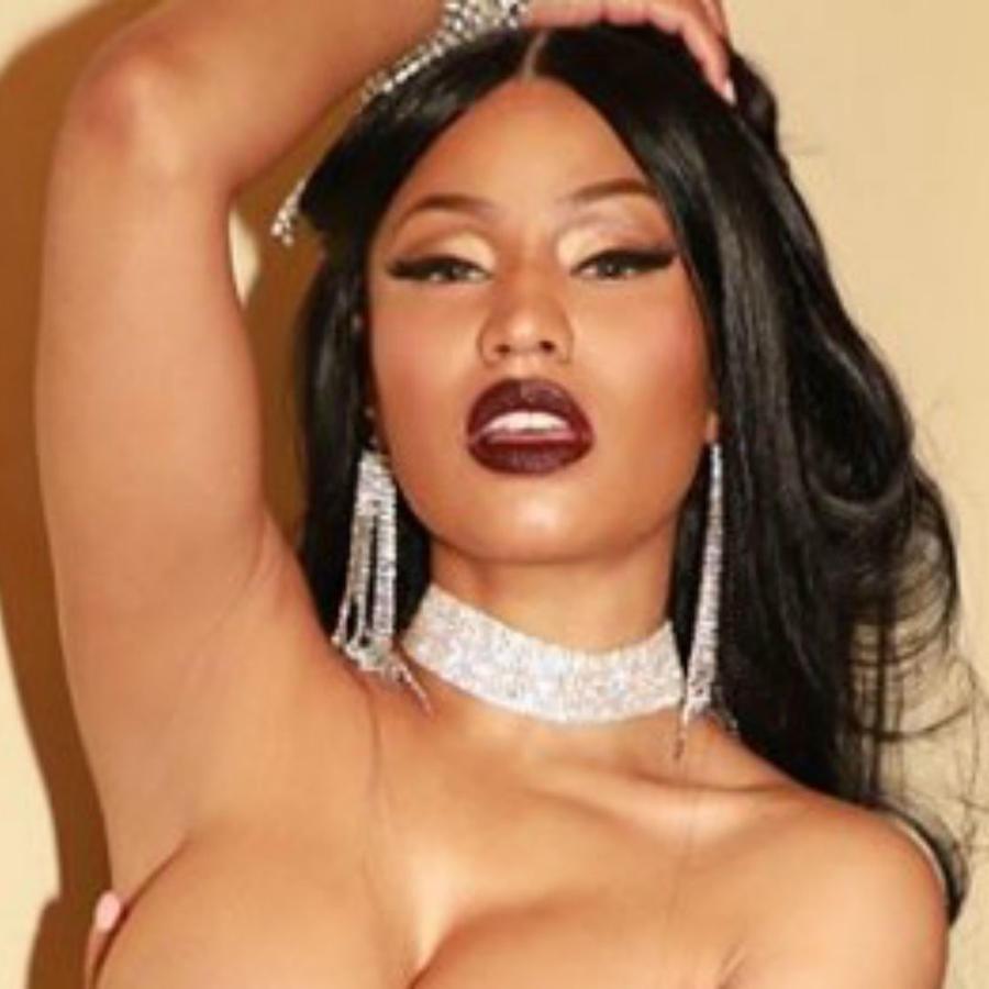Nicki Minaj sin ropa