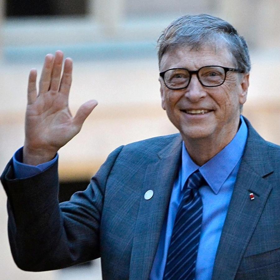 Bill Gates llegando al Palacio Eliseo, en Francia, el 12 de diciembre de 2017