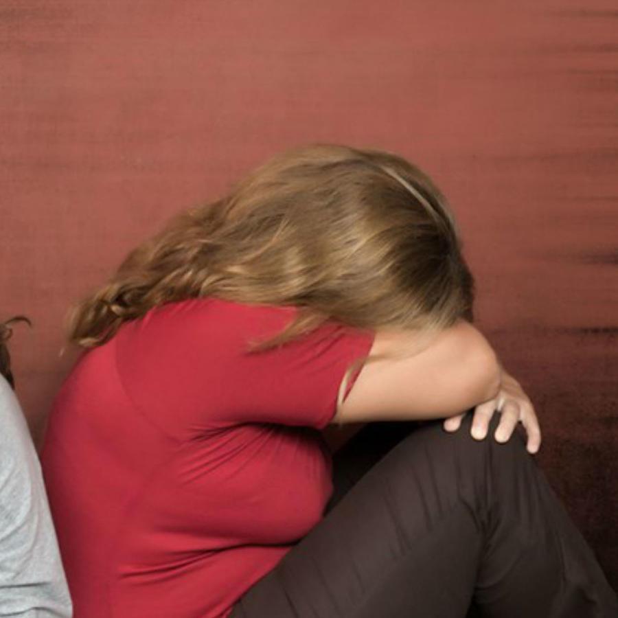 Hija y madre estresada