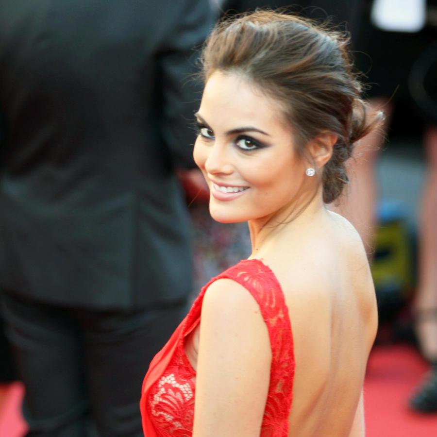 Ximena Navarrete en la alfombra roja