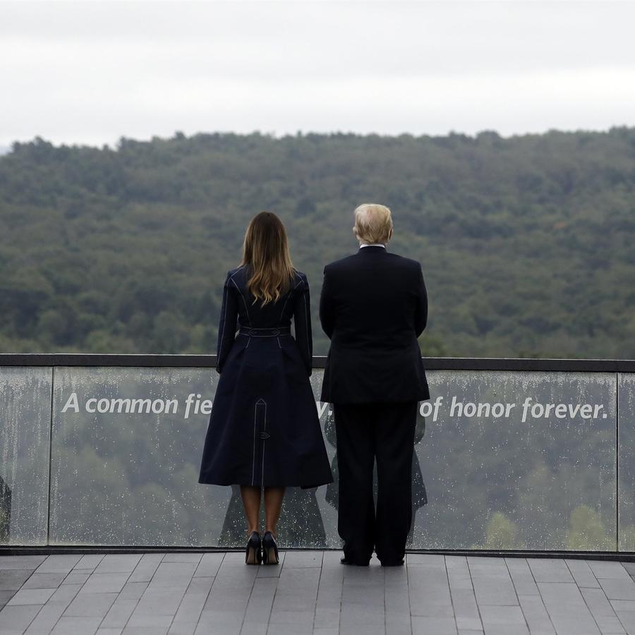 """""""Construyeron esta hermosa pared donde el avión cayó en Pennsylvania. Shanksville ... """"dijo Trump."""" Y es algo hermoso, lo que hicieron es increíble"""""""