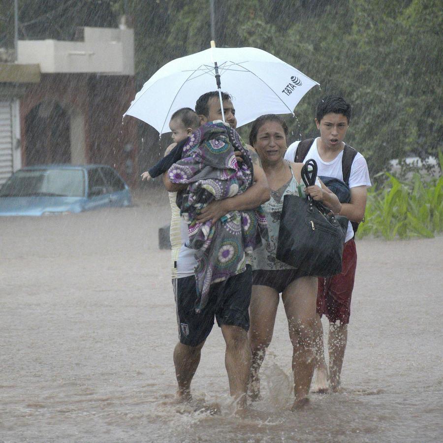 Lluvias torrenciales dejan un muerto en el estado mexicano de Sinaloa