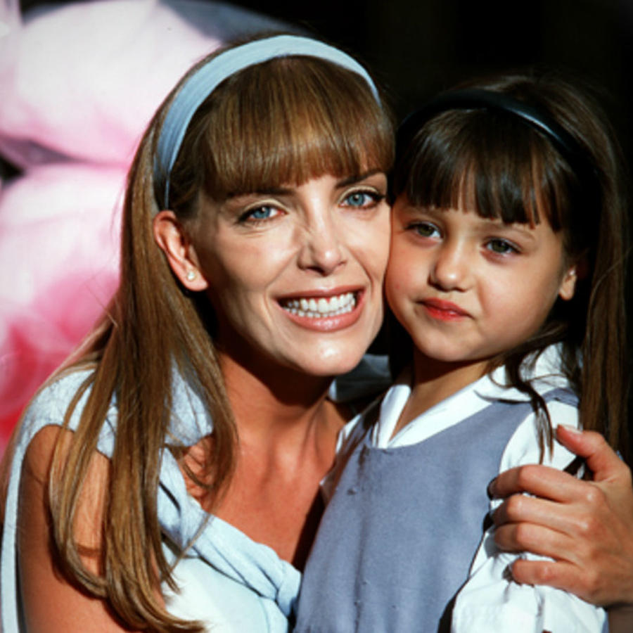 "Laura Flores y Andrea Lagunés en ""Gotita de amor"""