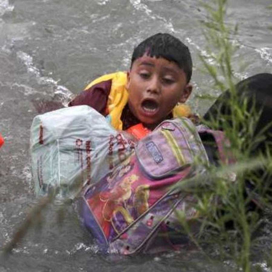 Un migrante hondureño de 7 años fue rescatado el pasado viernes en las aguas del Río Grande (Texas).