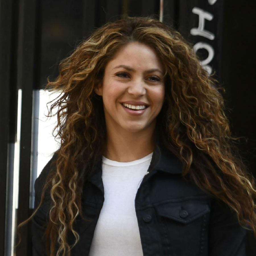 Shakira saliendo de una corte en Madrid, España, el 27 de marzo de 2019