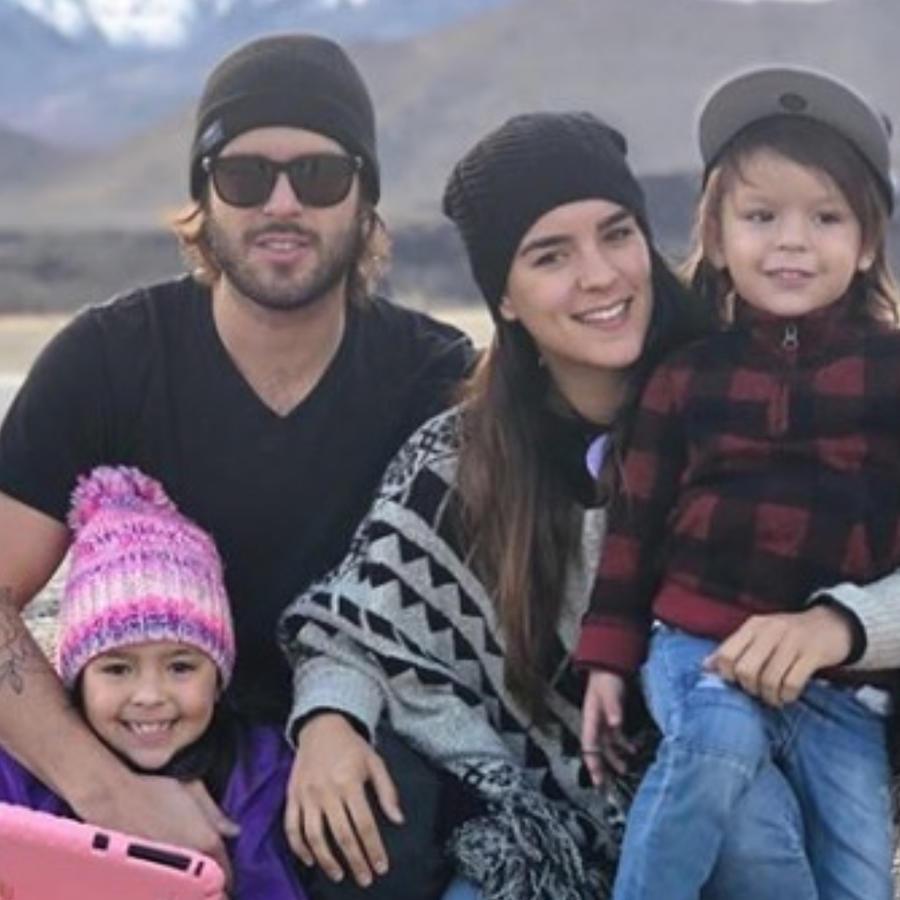 Pablo Lyle con su esposa Ana Araujo y sus hijos Arantza y Mauro