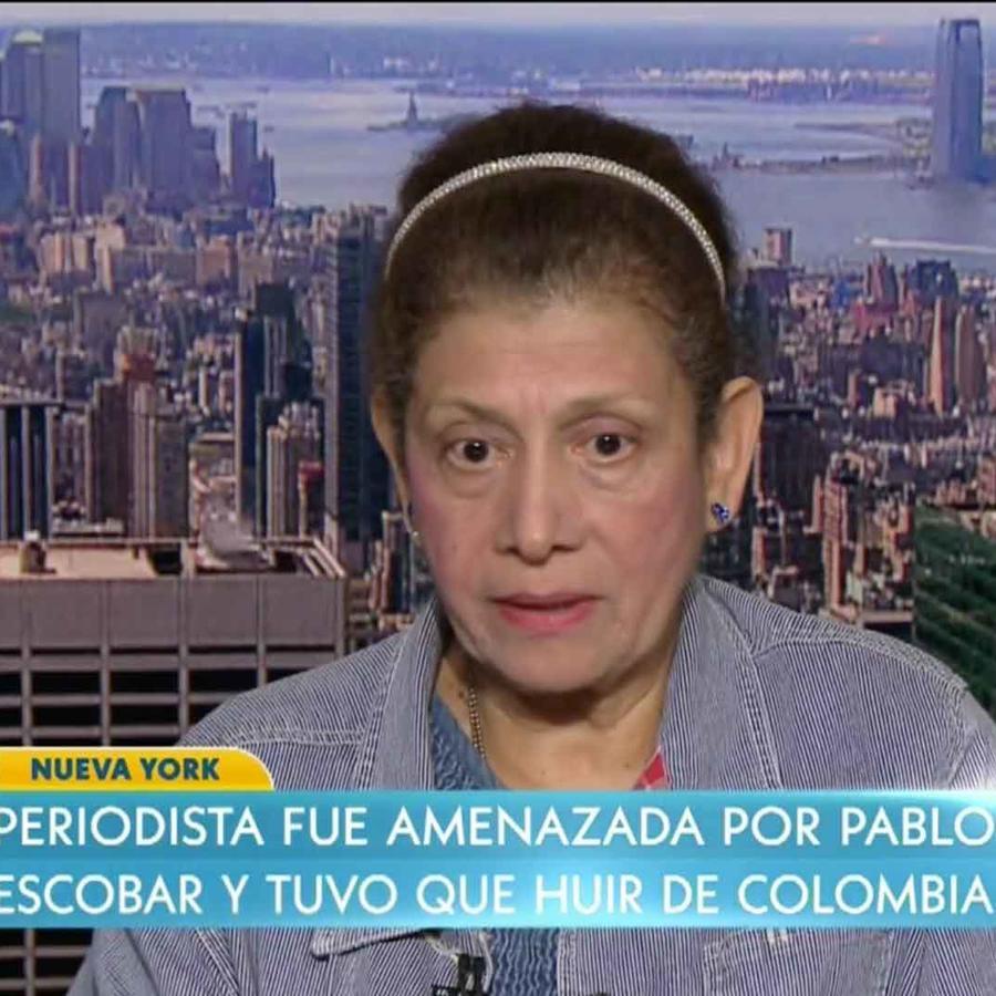 Elizabeth Mora-Mass es entrevistada por Rashel Díaz