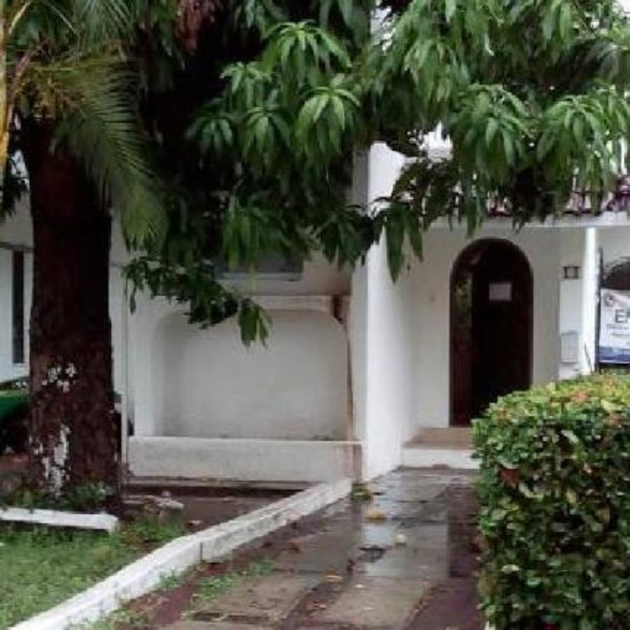 Una de las viviendas ofertadas este domingo en la subasta en las residencia presidencial de Los Pinos.