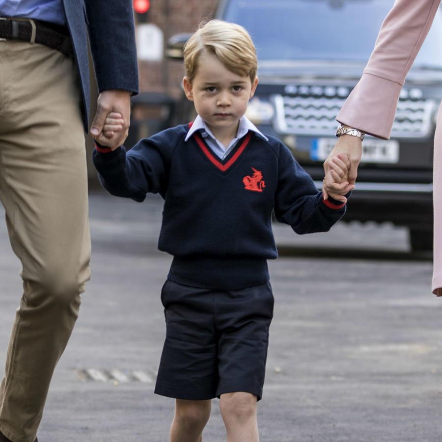 Príncipe George en su primer día de clases