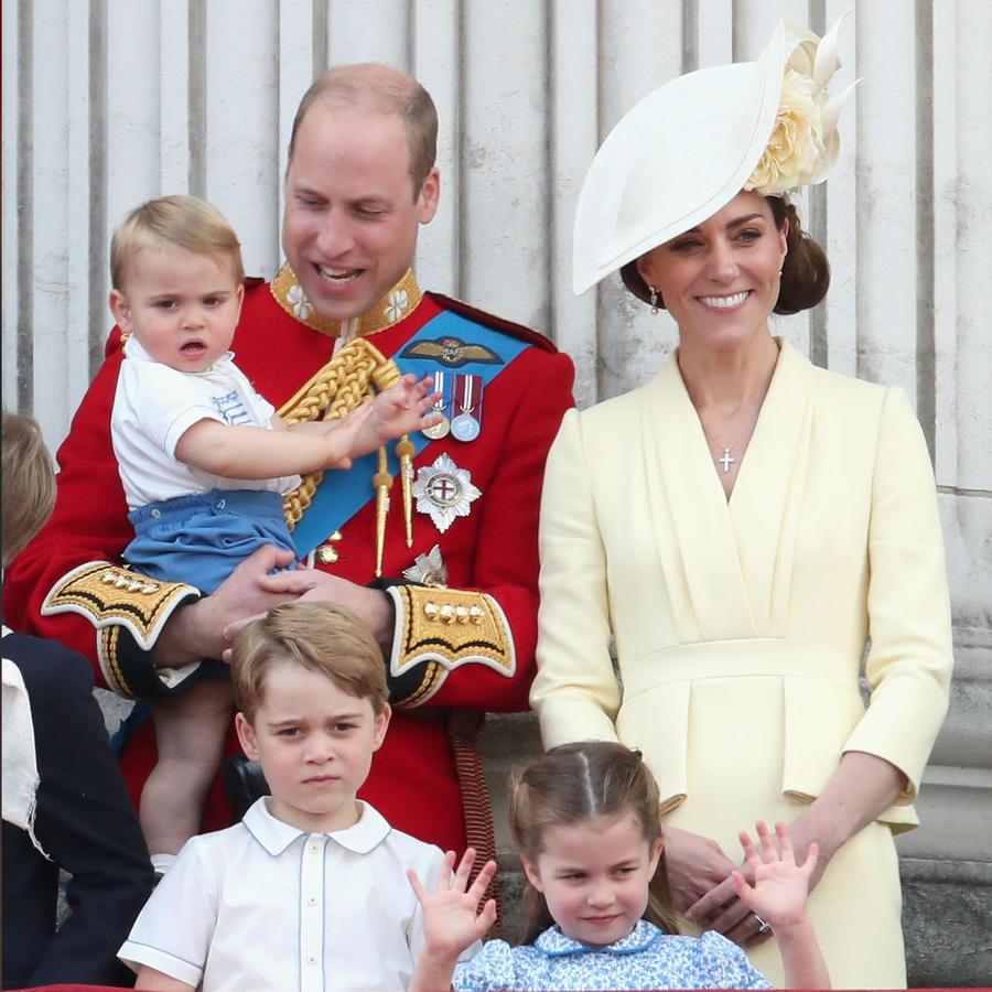Príncipe William con Kate Middleton e hijos