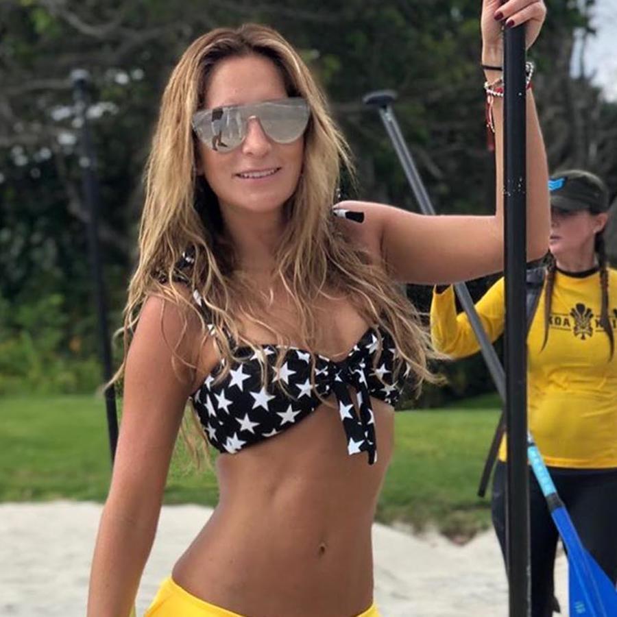 Geraldine Bazán posa en bikini
