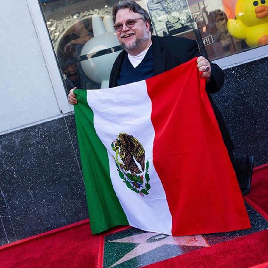 Guillermo del Toro recibió su estrella en el Paseo de la Fama de Hollywood