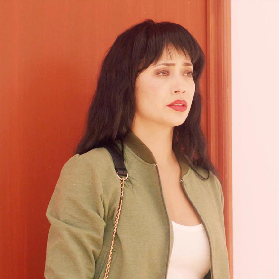 Maya Zapata como Selena Quintanilla en El Secreto de Selena