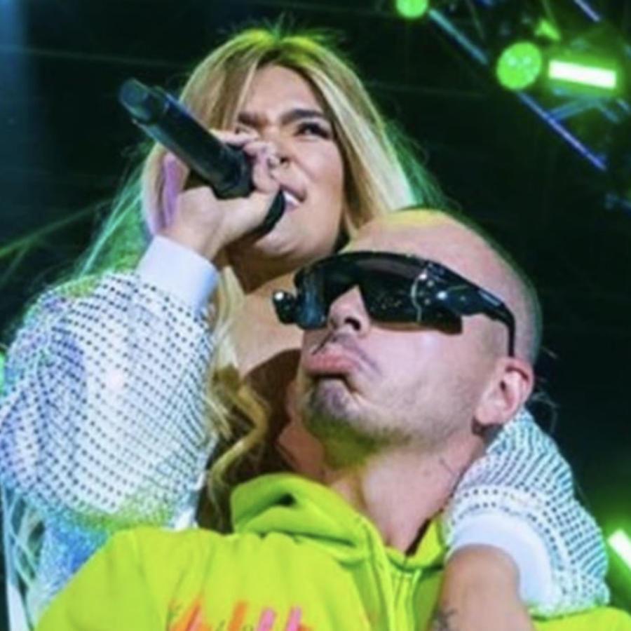 Karol G y el cantante J Balvin en Medellin.