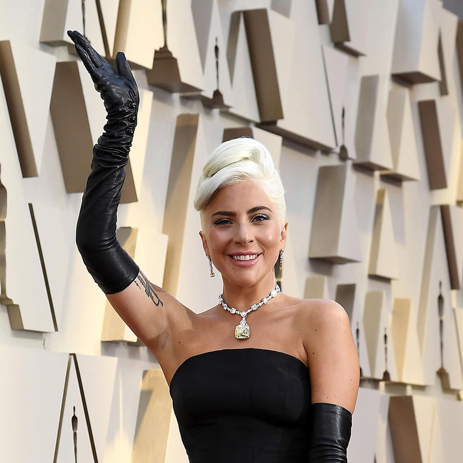 """Lady Gaga celebra un año de la banda sonora de """"A Star Is Born"""" con un hito masivo (FOTO)"""