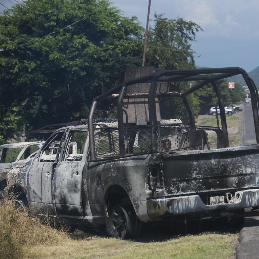 Uno de los vehículos de la Policía de Michoacán, México, luego de la emboscada del 14 de octubre de 2019.