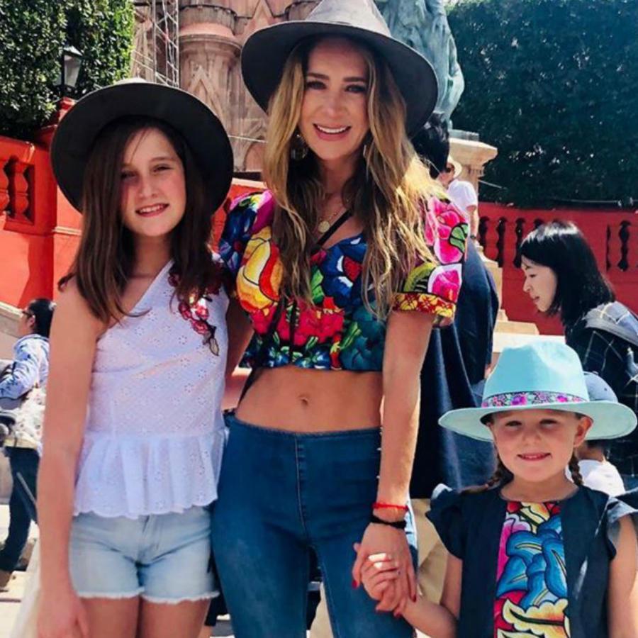 Gabriel Soto, Geraldine Bazán, y sus hijas