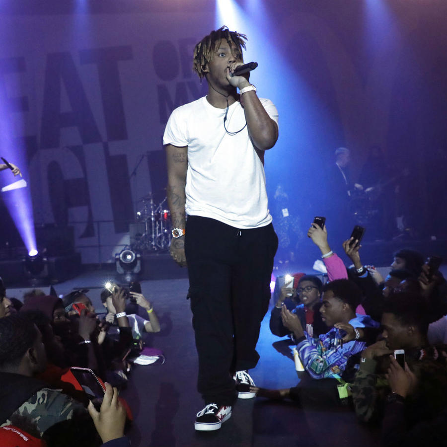 Rapper Juice WRLD Dies After Medical Emergency in Chicago