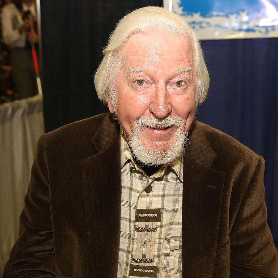 Sesame Street's Big Bird Puppeteer Caroll Spinney Diest at 85