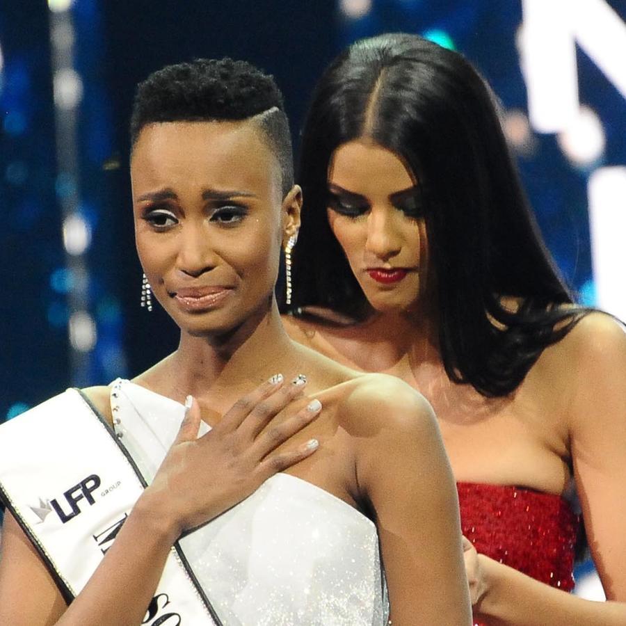 Zozibini Tunzi la Miss South Africa 2019 en la final