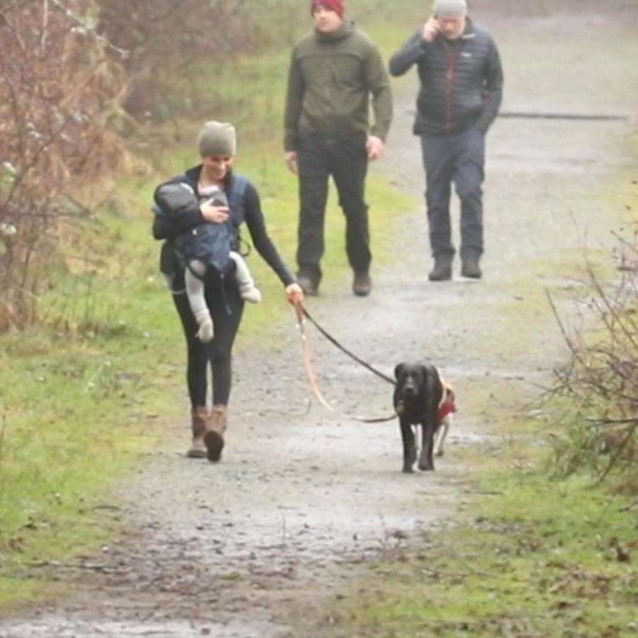 Meghan Markle paseando con Archie en Canadá