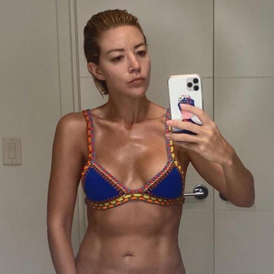 Fernanda Castillo bikini azul