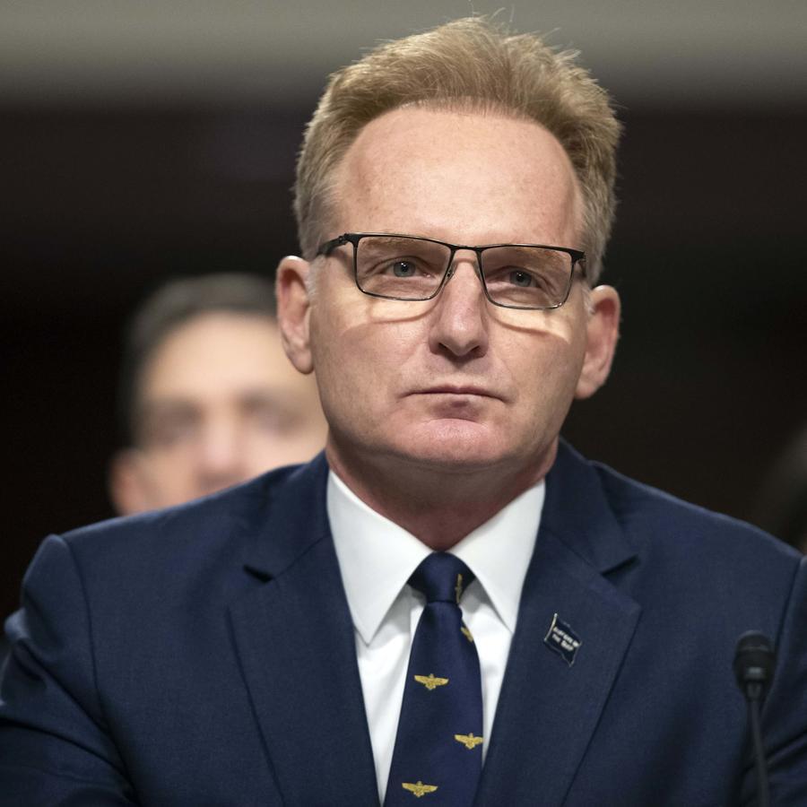 El secretario interino de la Marina, Thomas Modly